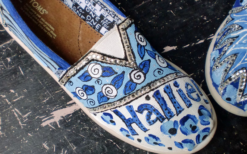 Personalized Spirit TOMS blue lions