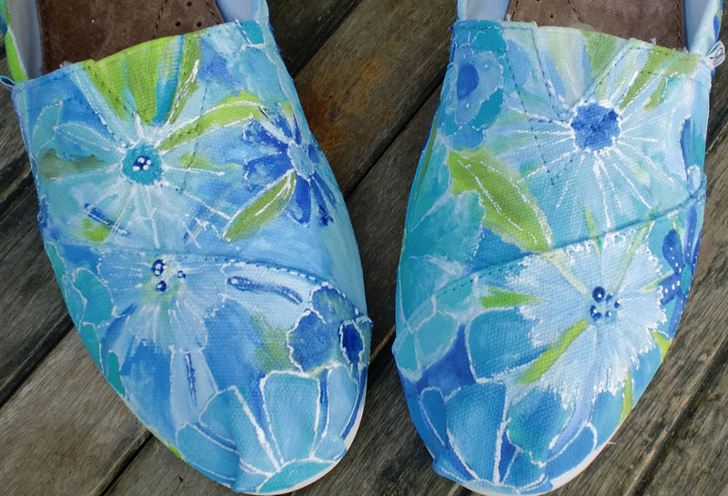 hand painted blue floral toms